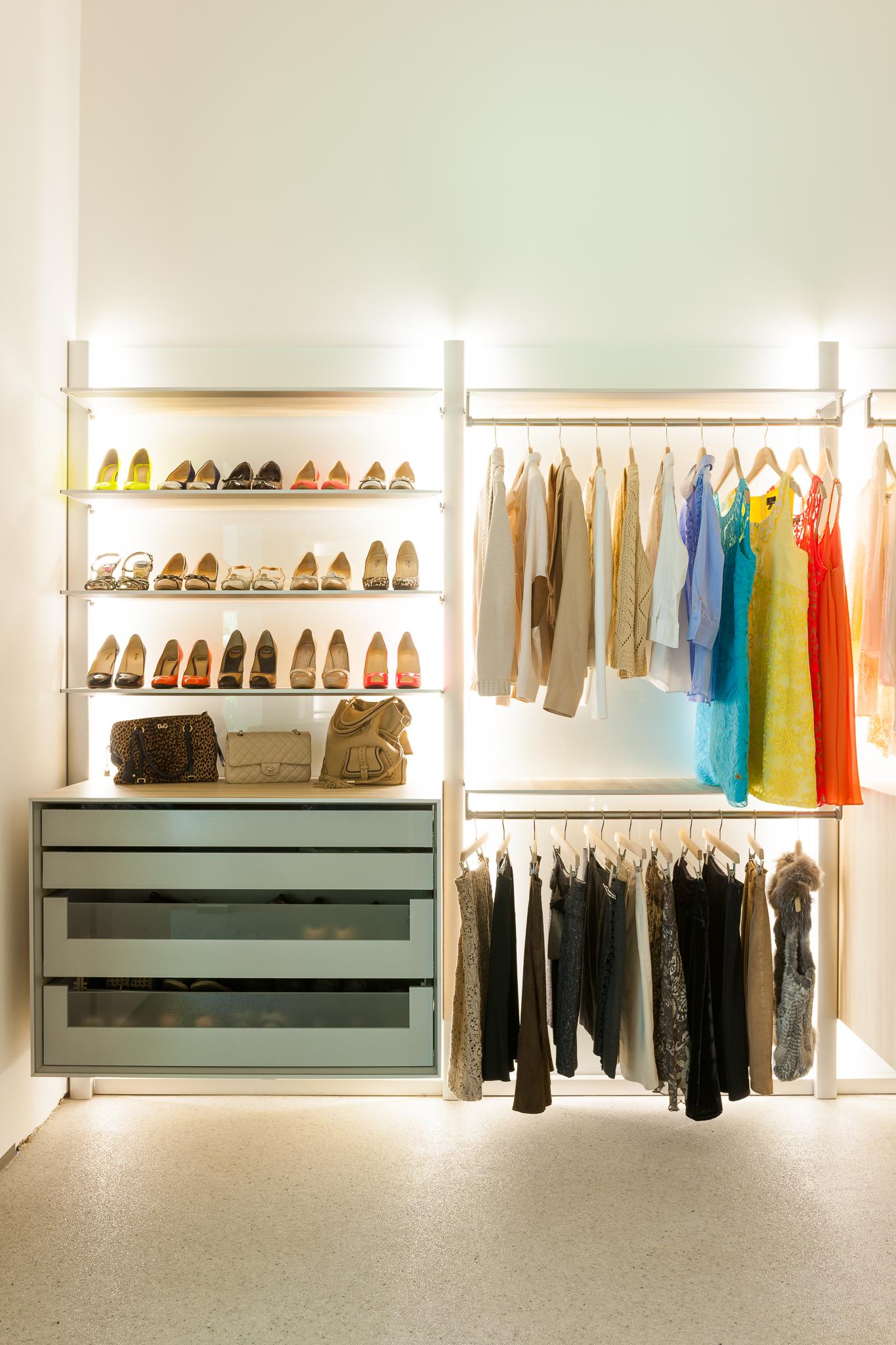dressing met modulaire indeling dress a way inloopkasten op maat. Black Bedroom Furniture Sets. Home Design Ideas