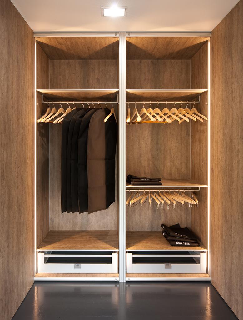 Moderne vestiairekast op maat toonzaal massenhoven dress a way inloopkasten op maat - Foto moderne dressing ...