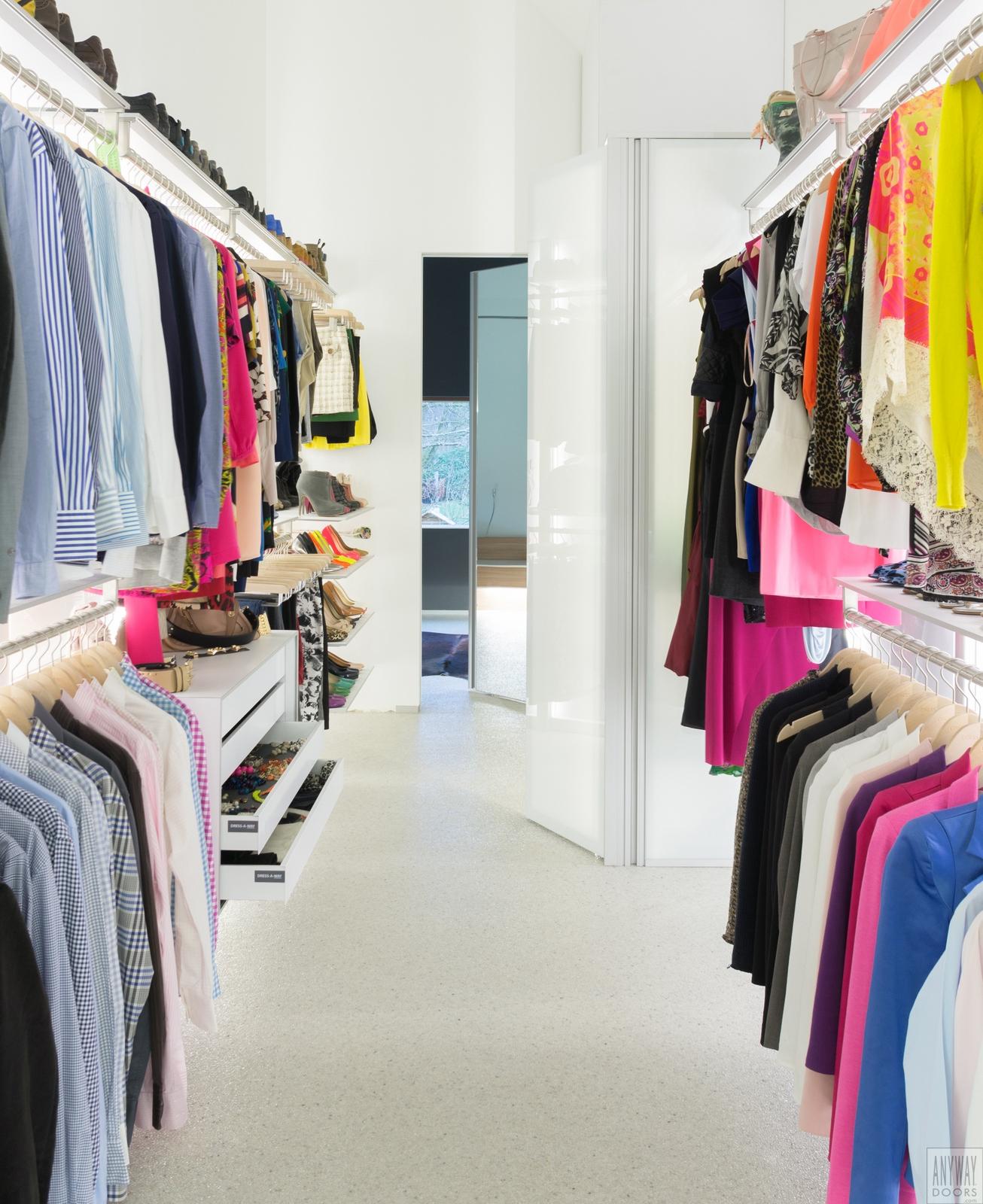 Praktische tips uw dressing functioneel inrichten anyway doors blog - Slaapkamer met badkamer en dressing ...