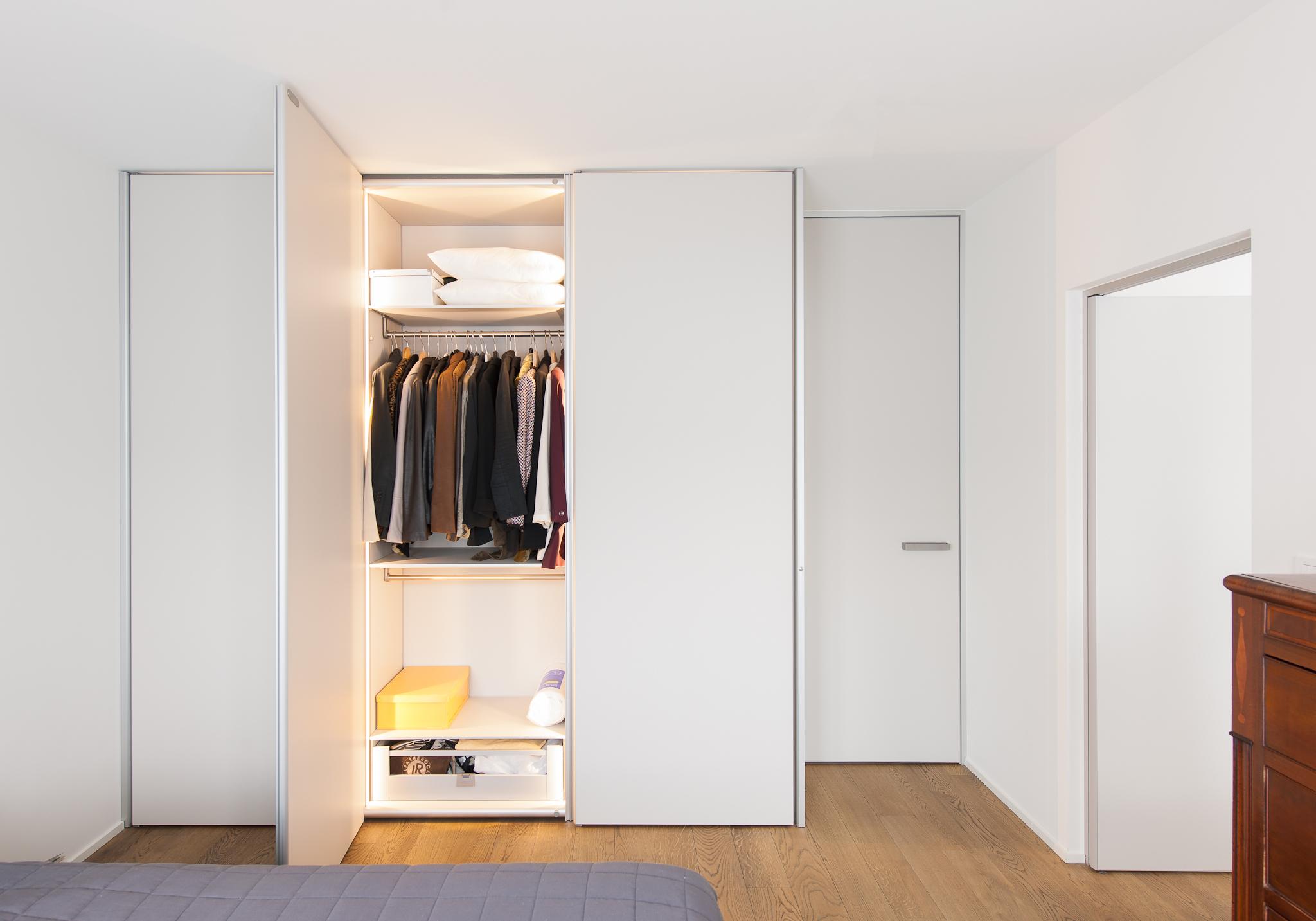 Praktische tips uw dressing functioneel inrichten anyway doors blog - Foto moderne dressing ...