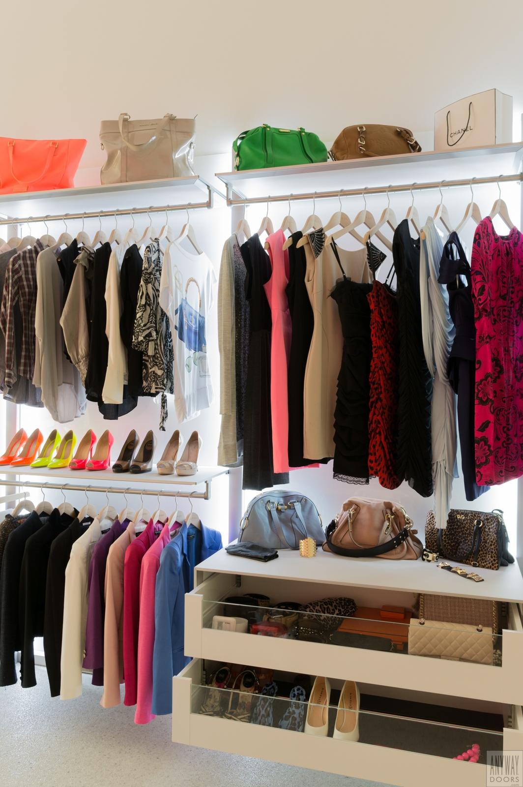 Design slaapkamerkasten op maat - DRESS-A-WAY inloopkasten op maat